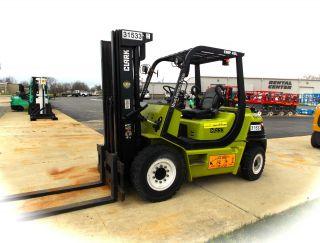31533 Clark Cmp40l,  8,  000 Lb Capacity Solid Pneumatic Forklift photo