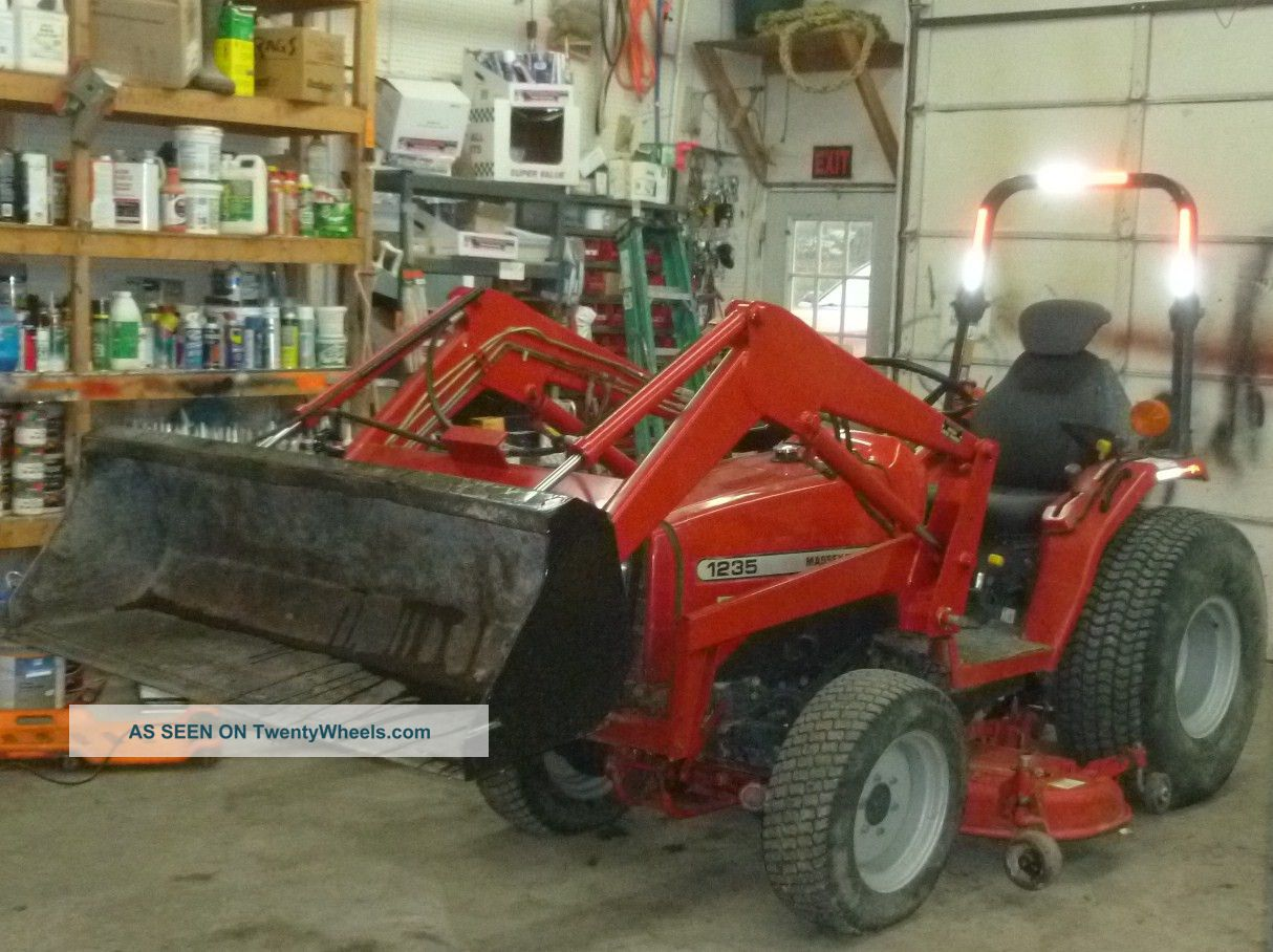 Massey - Ferguson 4x4 33 Hp Loader And Mower Tractors photo