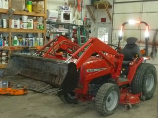 Massey - Ferguson 4x4 33 Hp Loader And Mower photo