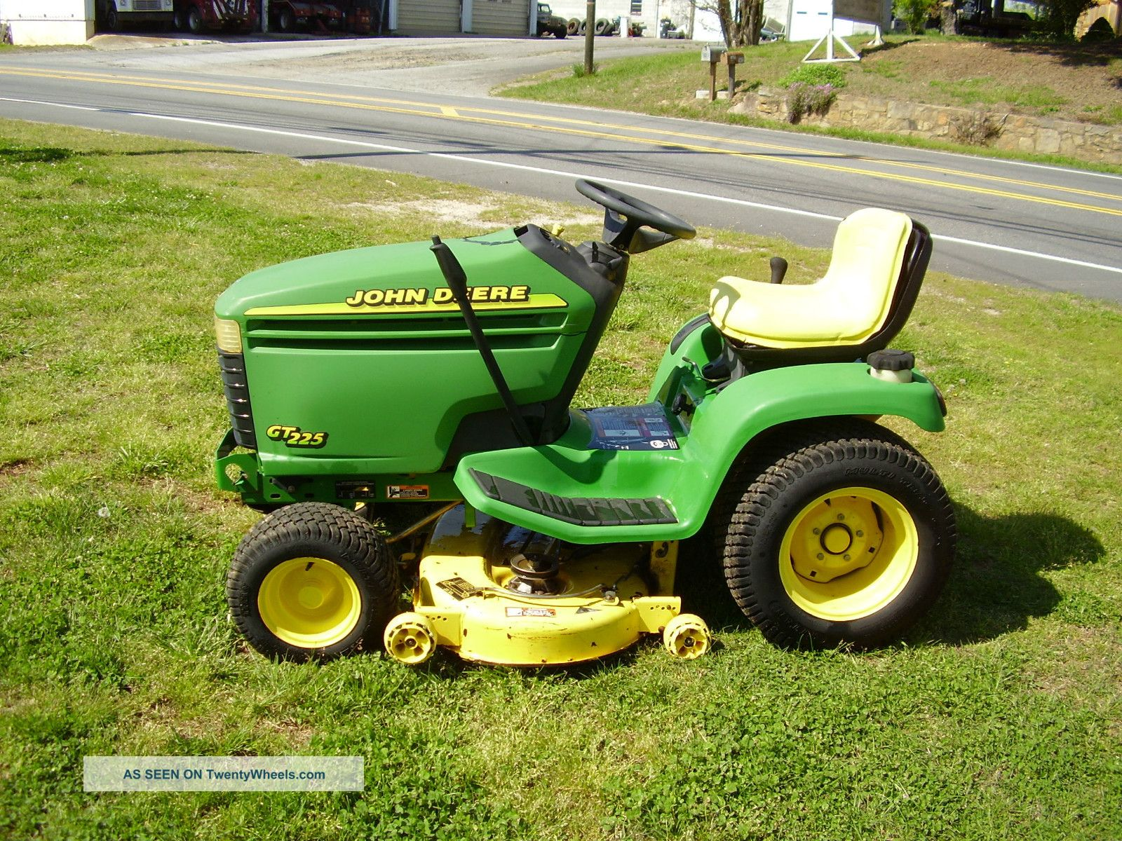 John Deere Gt 225 Riding Mower Hydrostatic Tractors photo