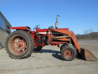 1966 Ih Farmall 656 Tractor W/ Quick Tach Loader photo