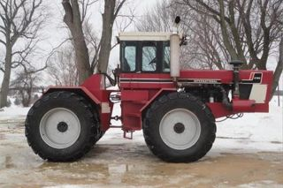 1981 International 4786 Tractor - 365 Hp 4wd photo