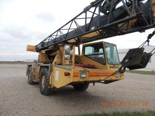 22 Ton Grove At420 Hydraulic All Terrain Crane.  Grove Crane.  2 Axle Carrier, photo