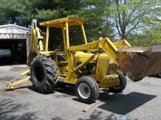 1985 Ford 455 Loader Backhoe photo