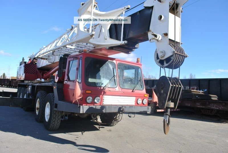 80 Ton Grove Tm870e Hydraulic Truck Crane.  Grove Truck Crane.  5 Axle Carrier, Cranes photo