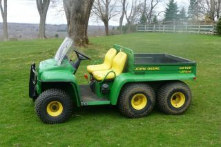 John Deere Gator 6x4,  Only 600 Hours,  Power Dump, photo