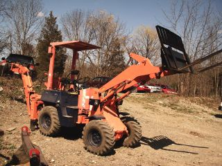 Kubota 400r Articulated Loader/backhoe 4x4 Forklift photo