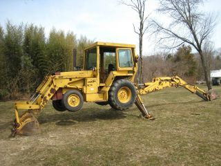 1980 ' S Massey Ferguson Backhoe W/extend A Hoe photo