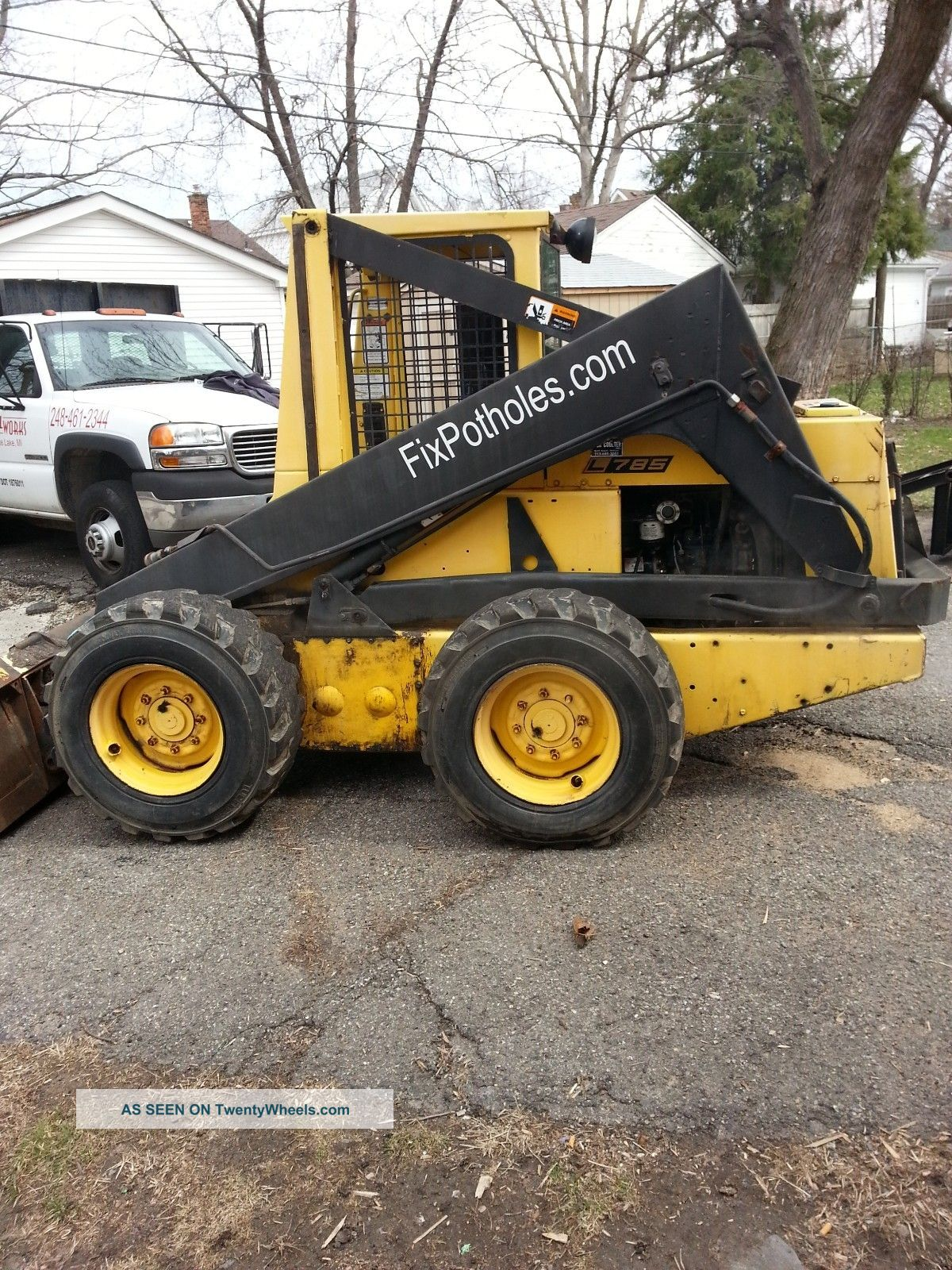 Holland L785 Skid Steer With Bucket & Forks (bob Cat) Ride