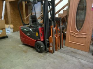 Linde Rx50 - 16 Electric Fork Lift: 3500lb.  Cap: For Use In Small Spaces 24volt photo
