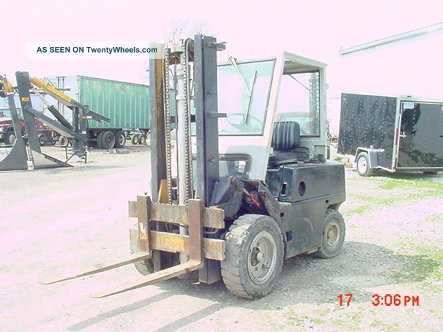Forklift Clark Diesel Fork Lift - Forklifts & Other Lifts photo