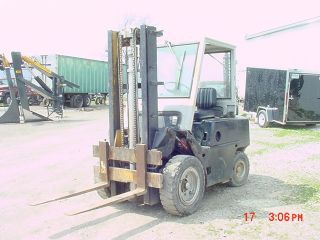 Forklift Clark Diesel Fork Lift - photo