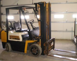 Komatsu Model Fg255 5,  000 Cushion Tired Forklift,  Lpg, photo