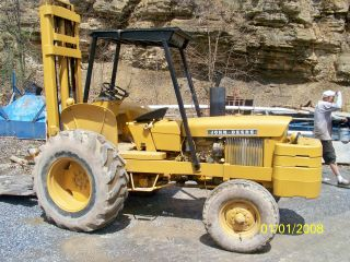 John Deere 380d Forklift photo