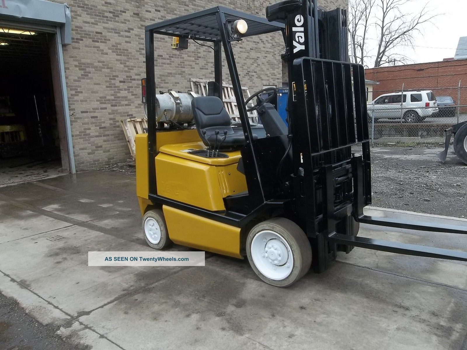 Yale Forklift 5000 Lb 3 Stage Mast Max Lift 189 Glco50 Forklifts & Other Lifts photo