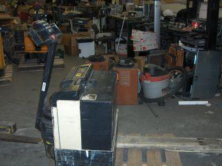 Crown 40gpw - 4 - 14 4000 - Pound Dc Electric Pallet Power Jack Lift Truck Forklift photo