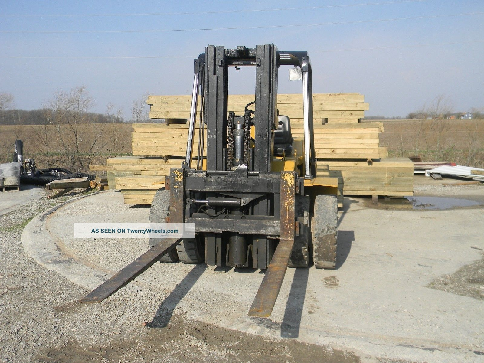 Forklift Forklifts & Other Lifts photo