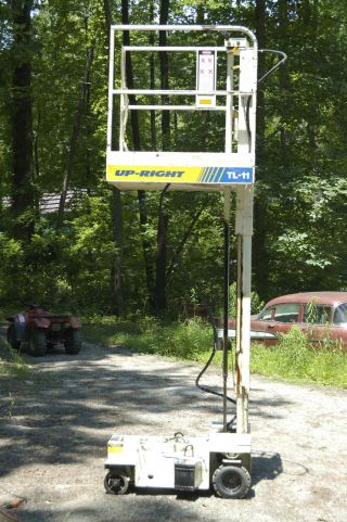 Up - Right Man Lift Tl - 11 Electric photo