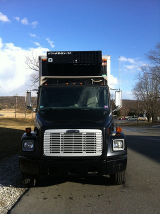 2004 Freightliner photo
