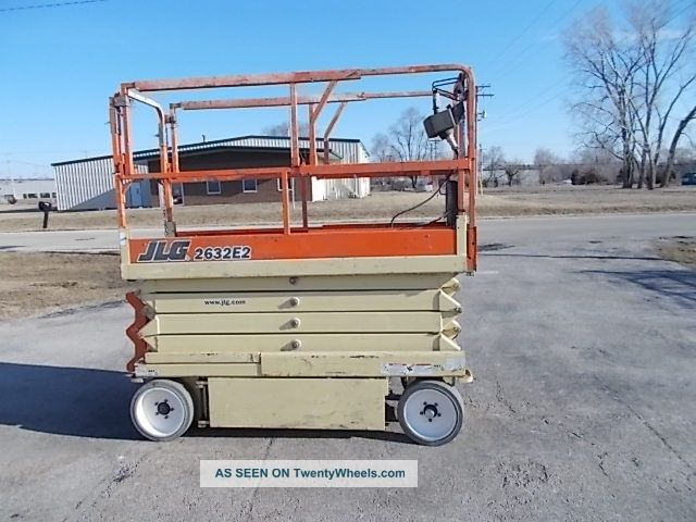 2003 Jlg 2632e2 26ft Platform Narrow Electric - Only 32in Wide Scissor & Boom Lifts photo
