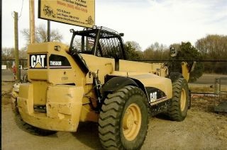 2005 Cat Th - 560 Extended Reach Fork Lift photo