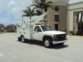 2000 Chevrolet 3500hd photo
