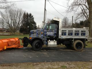 2002 Sterling L8500 photo