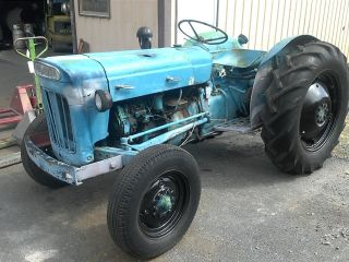60s Ford Dexta 3cyl Diesel Tractor 3 Point Pto Fordson photo