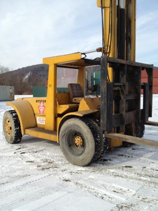 10 Ton Hyster Forklift photo