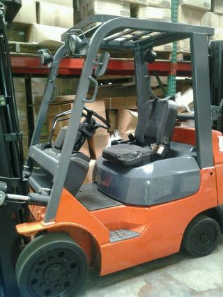 Toyota Forklift photo