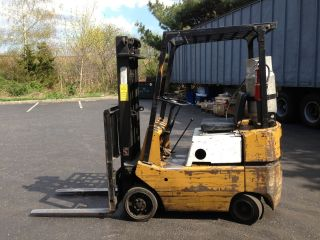 Forklift Fork Lift Truck Tcm 3000lb Cusion Tire Lp Gas Propane photo