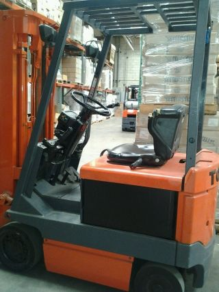 Toyota Electric Forklift photo