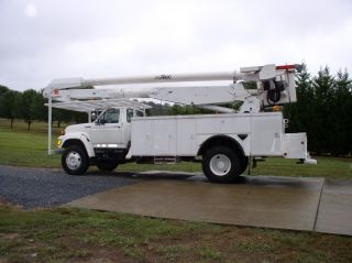 1997 Ford F800 photo