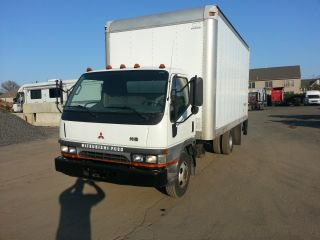 2002 Mitsubishi Fuso 16ft Turbo Diesel Lift Gate photo