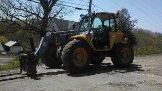 Holland Lm640 Forklift photo