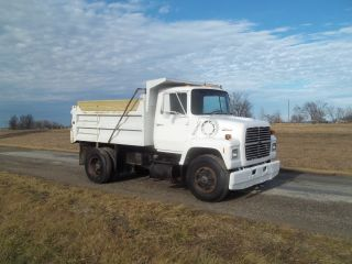 1988 Ford Ln8000 photo