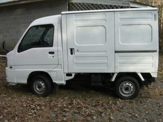 2002 Subaru Mini Cube Truck photo