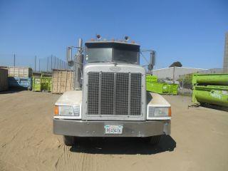 Peterbilt Truck Tractor 377 Pete 377 Peterbilt 3 Axle Truck Daycab photo