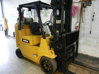Caterpillar 8000 Lb Forklift photo
