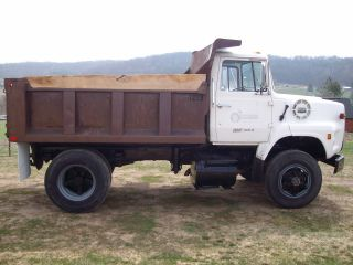 1984 Ford Lts 8000 photo