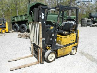 Forklift Yale 3000lb,  Triple Mass,  Side Shift,  Lp Gas,  Lift 16ft photo