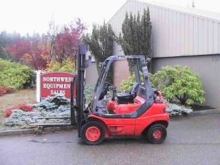 Linde H25d 2 - Stage Straight Mast Forklift photo