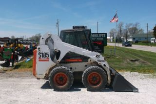 Bobcat S185 Skid Steer Loader photo