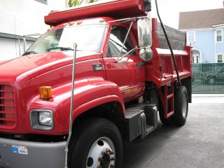 2000 Chevrolet Heavy Duty Dump Truck C6500 photo