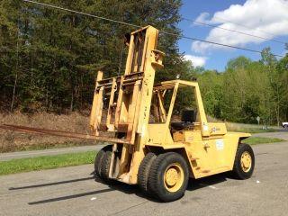 1982 Caterpillar V300 Forklift photo
