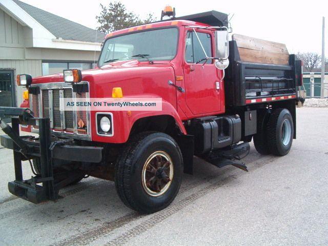 1998 International 2554 Dump Trucks photo
