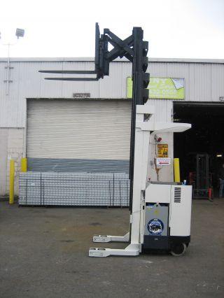 Crown Forklift Reach Truck 3500lb 240