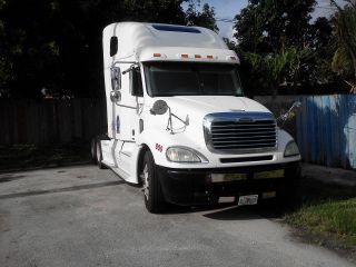 2005 Freightliner photo