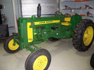 John Deere Tractor 1958 420 I photo