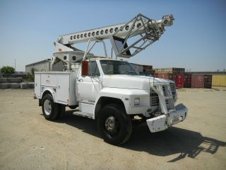 1984 Ford Cable Placing Bucket Truck F600 photo
